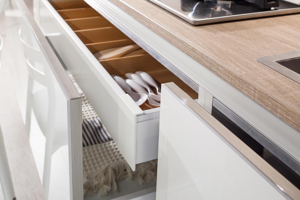 nuovi mondi cucine cucina moderna lineare con anta in crash ...