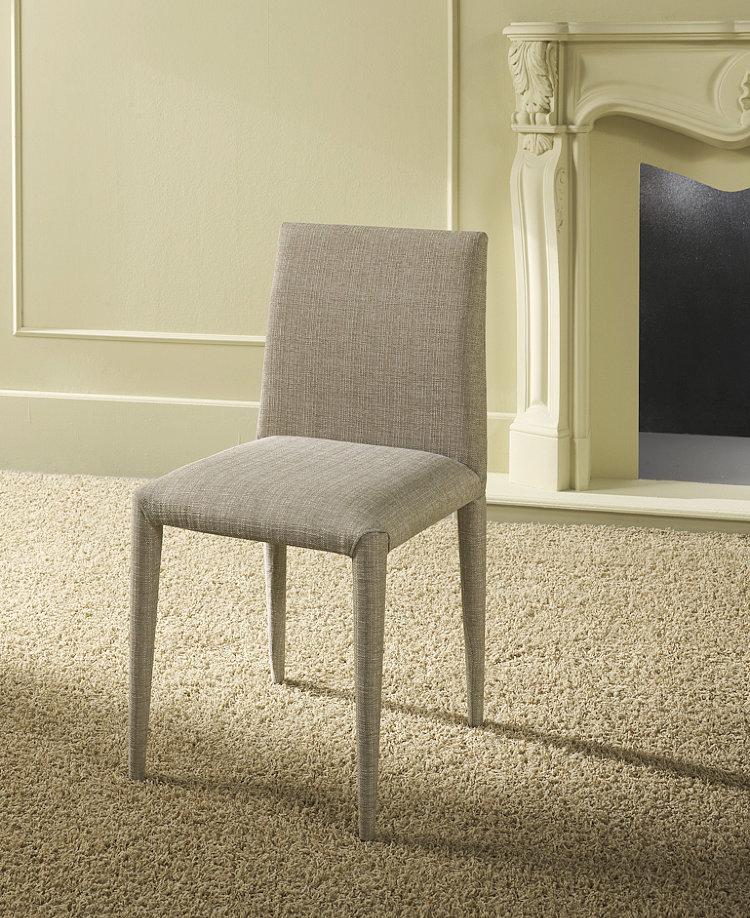 Sedia modchantal sedia imbottita con struttura in metallo for Sedie nuovo design