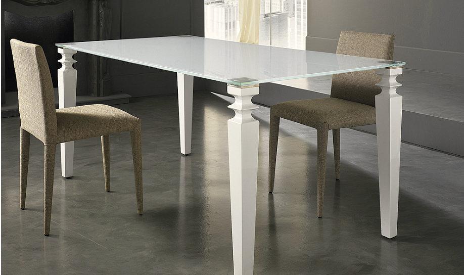 Tavoli Con Gambe Di Vetro : Tavolo da pranzo allungabile con gambe in legno massello e piano